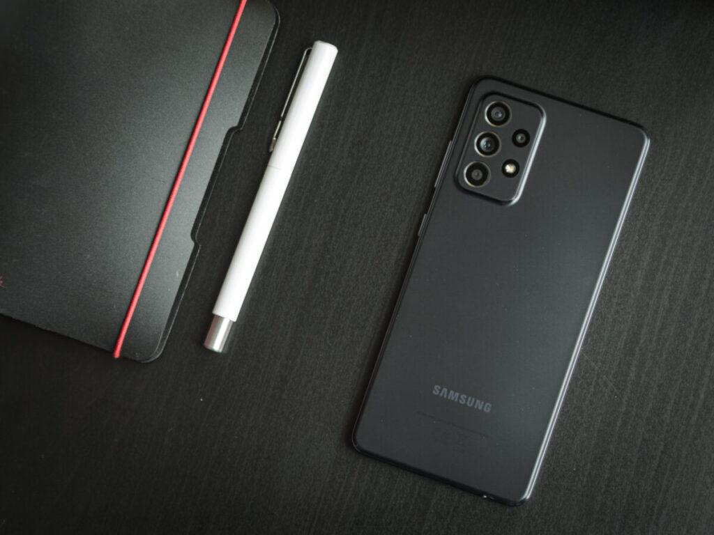 Parte trasera del teléfono móvil Samsung Galaxy A 52
