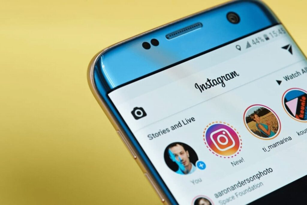 Espiando las historias de Instagram sin que te vean