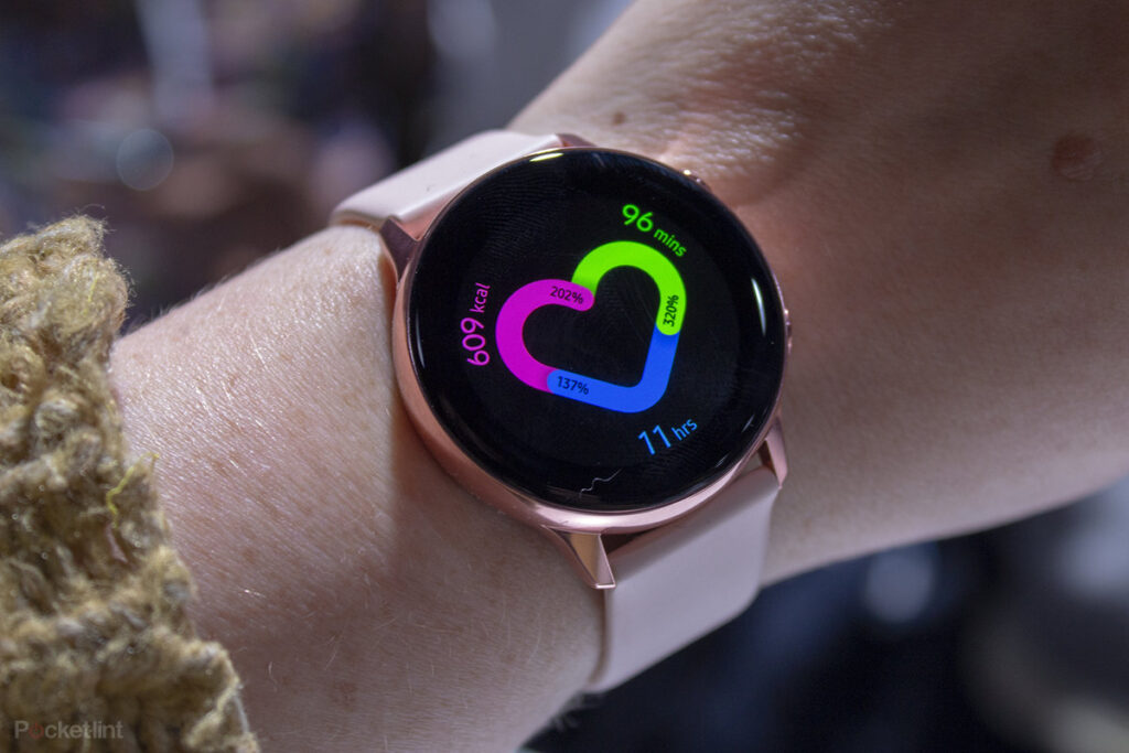 Samsung Galaxy Watch Active en la muñeca